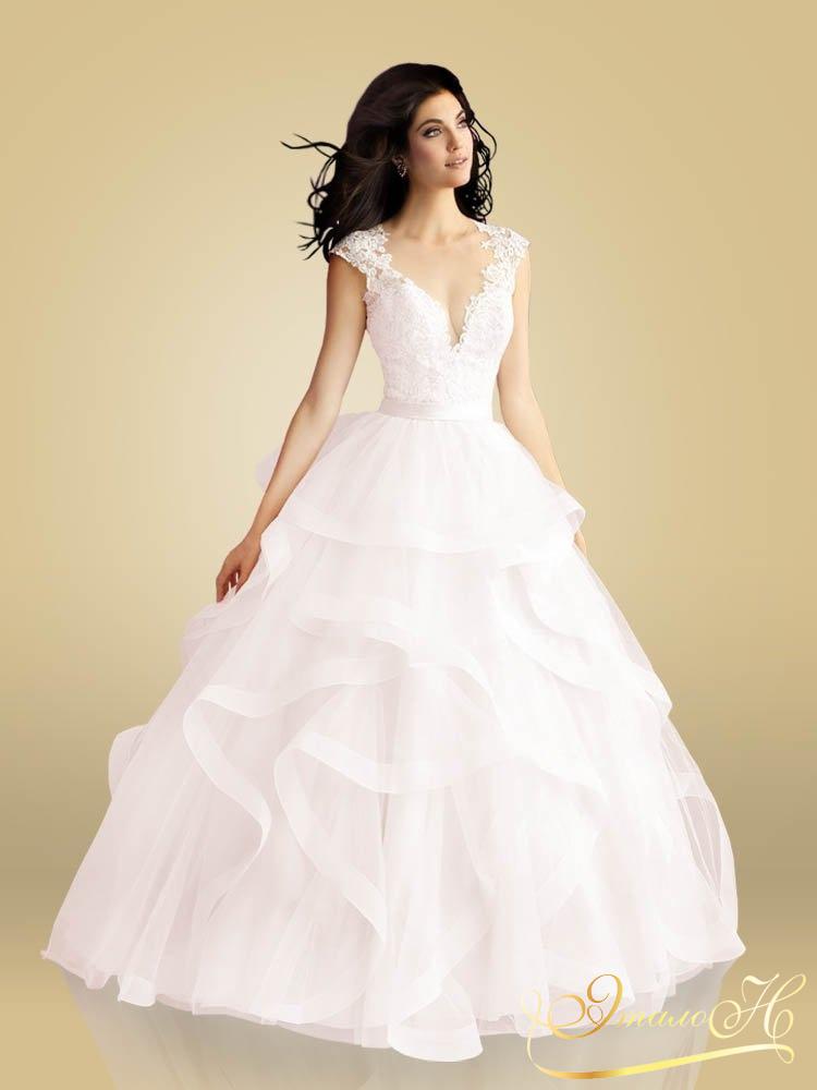 31b50305f97a582 Убедитесь в качестве пошива платья на свадьбу в Москве на заказ от наших  мастеров – загляните в галерею фотографий.